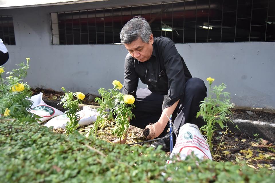 วิศวกรรมสถานแห่งประแห่งเทศไทยฯ (วสท.) ร่วมปลูกดอกดาวเรืองเพื่อรำลึกถึงพระมหากรุณาธิคุณ พระบาทสมเด็จพระปรมินทรมหาภูมิพลอดุลยเดช บรมนาถบพิตร
