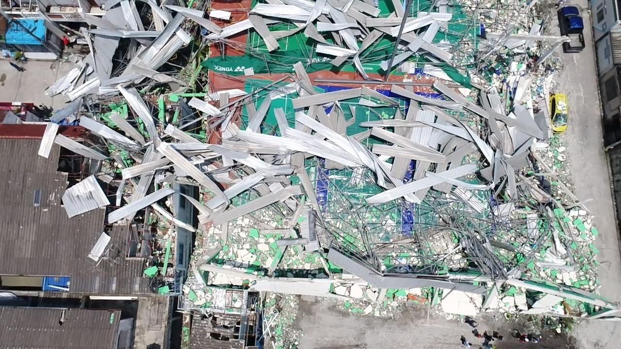 วิศวกรรมสถานแห่งประเทศไทย ในพระบรมราชูปถัม ภ์เข้าตรวจสอบอาคารสนามแบดมินตัน NP ซอยเรวดี 55 ติวานนท์ ที่พังถล่ม