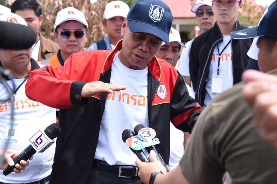 ดร.ธเนศ วีระศิริ นายก วิศวกรรมสถานแห่งประเทศไทยฯ ร่วมกับสภาวิศวกร ลงพื้นที่ตรวจสอบความเสียหายจากอุทกภัยพร้อมกับวิศวกรอาสา