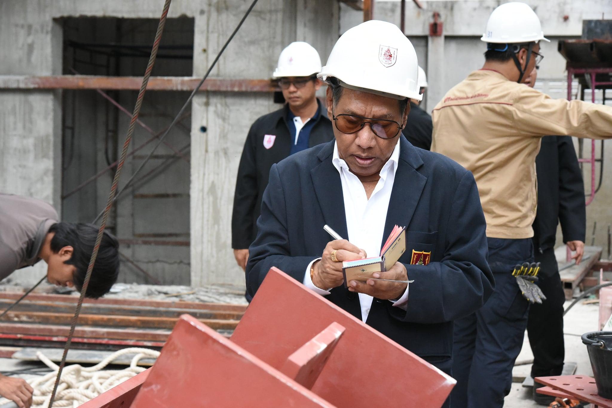 วิศวกรรมสถานแห่งประเทศไทยฯ (วสท.)   ลงพื้นที่เกิดเหตุโครงสร้างรับชุดรอกถล่ม บริเวณใกล้อาคารคลองถม เซ็นเตอร์ ถนนวรจักร แขวงป้อมปราบ เขตป้อมปราบศัตรูพ่าย