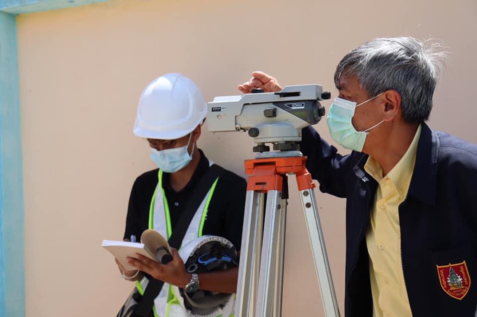 วิศวกรรมสถานแห่งประเทศไทยฯ (วสท.) ลงพื้นที่ตรวจสอบความเสียหายอาคารหอพัก 3 ชั้นทรุดตัว ที่ ต.พันท้ายนรสิงห์ อ.เมือง จ.สมุทรสาคร