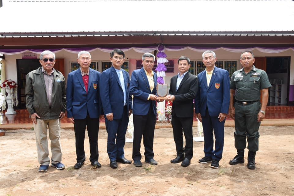 """วิศวกรรมสถานแห่งประเทศไทยฯ (วสท.) ส่งมอบ """"อาคารวิศวกรรมสถานอุปถัมภ์ 5"""" ให้เป็นห้องสมุดแก่โรงเรียนตำรวจตระเวนชายแดนบ้านใหม่พัฒนาสันติ ตำบลบ้านแม่นาจร อำเภอแม่แจ่ม จังหวัดเชียงใหม่"""