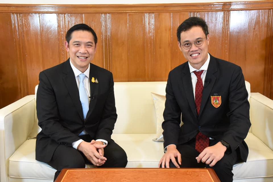ดร.ธีรธร ธาราไชย ประธานคณะกรรมการประชาสัมพันธ์ วิศวกรรมสถานแห่งประเทศไทยฯ (วสท.) เข้าพบ และสัมภาษณ์นายนิรุฒ มณีพันธ์ ผู้ว่าการรถไฟแห่งประเทศไทย