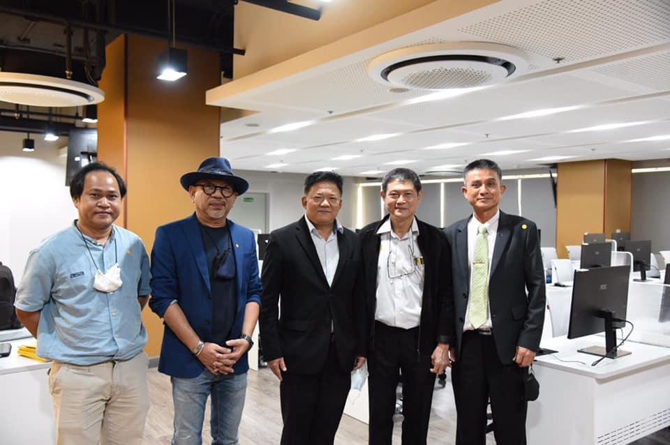 สมาคมสถาปนิกสยาม แห่งประเทศไทย ในพระบรมราชูปถัมภ์ พร้อมคณะ และเลขาธิการและกรรมการสมาคมวิศวกรที่ปรึกษาให้เกียรติเยี่ยมชมศูนย์ BIM LAB ที่อาคารวิศวกรรมสถานแห่งประเทศไทยฯ