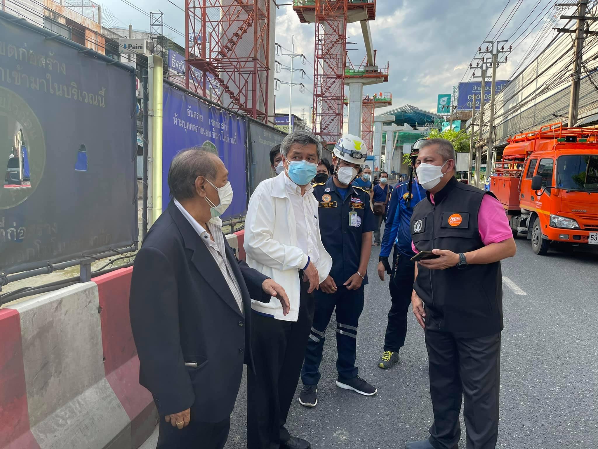 นายกวิศวกรรมสถานแห่งประเทศไทยฯ (วสท.)พร้อมอุปนายก วสท. เร่งลงพื้นที่ เพื่อให้คำแนะนำด้านความปลอดภัยกับอาคารที่เกิดการแตกร้าว มีเสาระเบิดหลายต้น บริเวณ ถ.ศรีนครินทร์